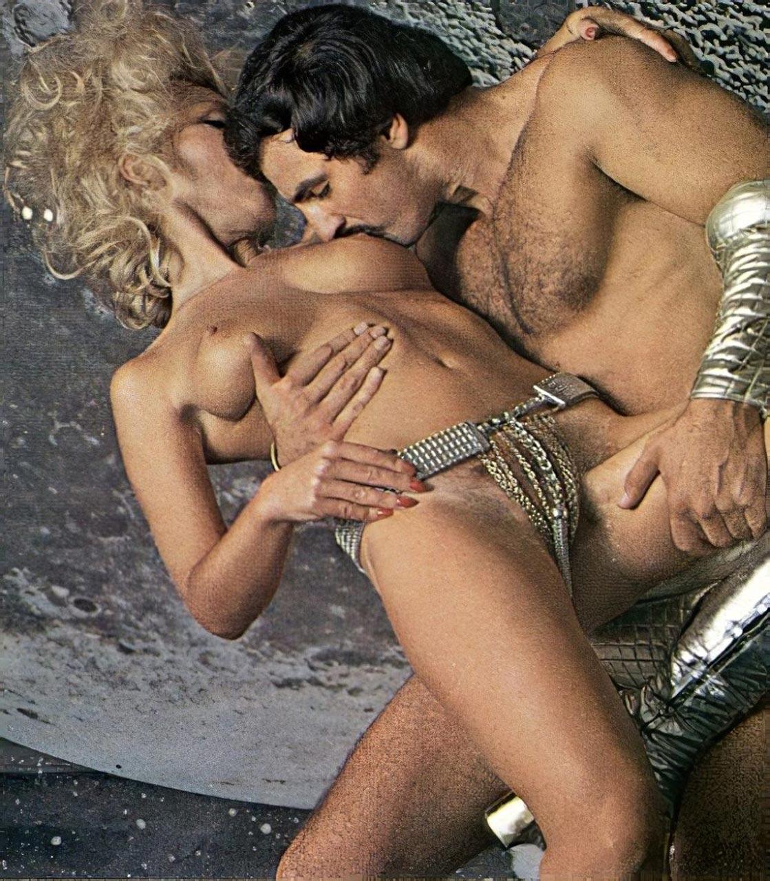 Cassandra Peterson Nude Pics Elvira Porn Video Scandal