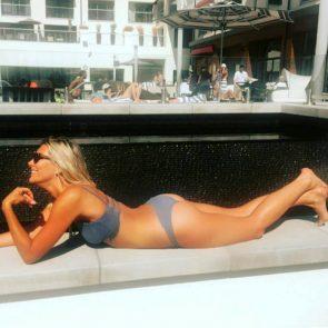 Charissa Thompsonbikini on the yacht