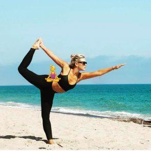 Charissa Thompsonsexy practicing yoga