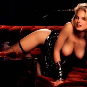 Dorothy Stratten nude boobs