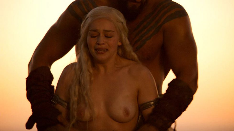 Emilia Clarke Nakt