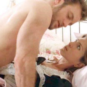 Jennifer Aniston bored in sex scene