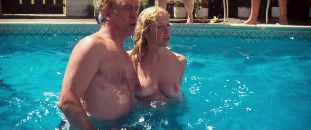 Suzanne Somers topless in scene