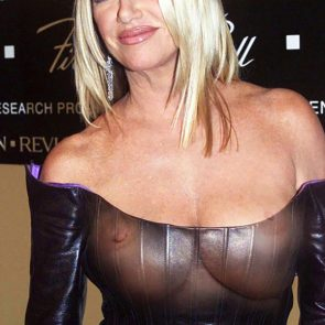 Suzanne Somers fake nude nipples