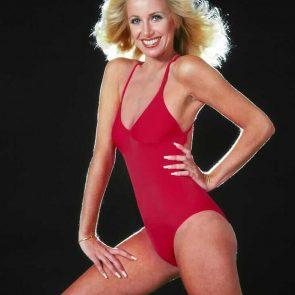 Suzanne Somers hot in bikini