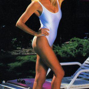 Suzanne Somers sexy in bikini
