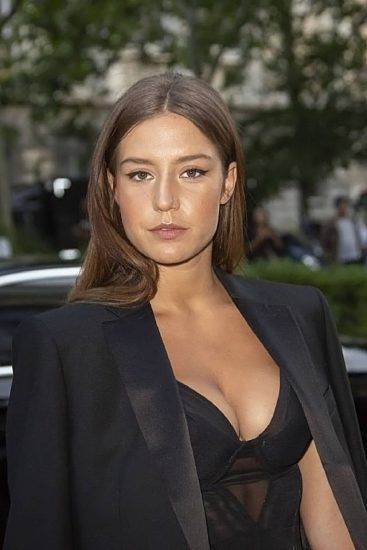 Adele Exarchopoulos Nude Pics & Topless in Sex Scenes Compilation 47