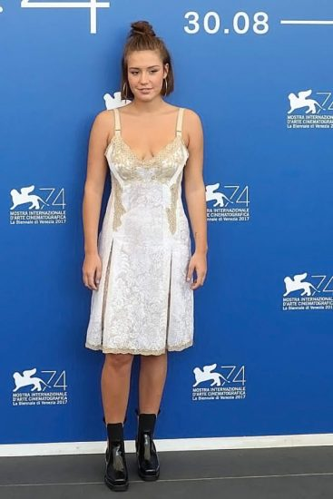 Adele Exarchopoulos Nude Pics & Topless in Sex Scenes Compilation 83