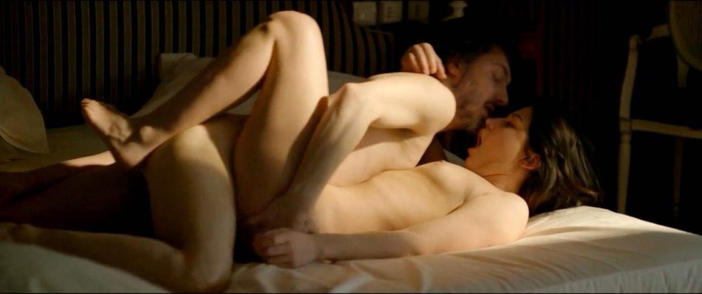 Adele Exarchopoulosnaked sex scene
