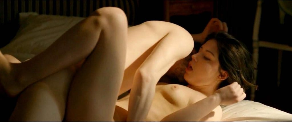 Adele Exarchopoulos Nude Pics & Topless in Sex Scenes Compilation 13