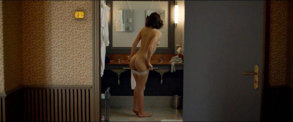 Adele Exarchopoulos Nude Pics & Topless in Sex Scenes Compilation 12