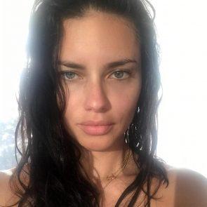 Adriana Lima hot selfie