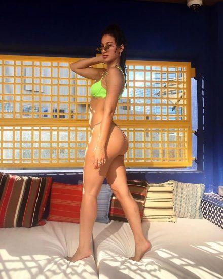 Lexy Panterra butt in green bikini
