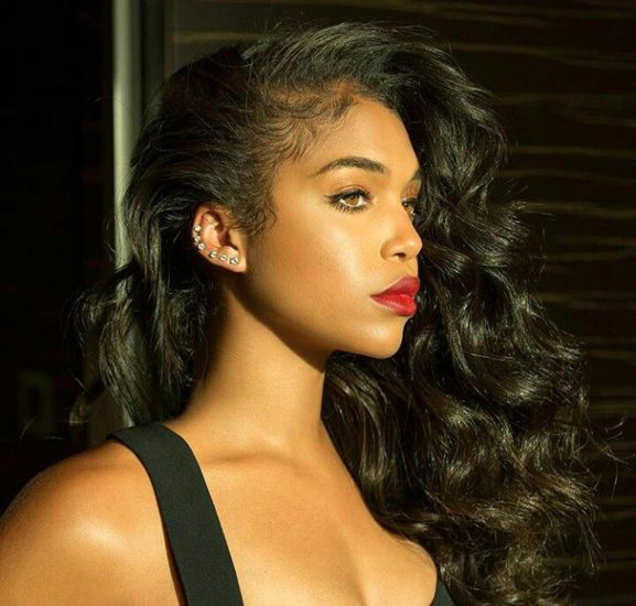 Lori Harvey hot with red lipstick