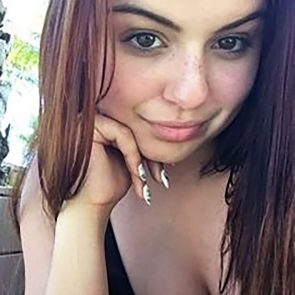 Ariel Winter Nude LEAKED Pics & Sex Tape Porn Video 9