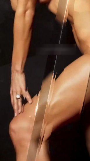 Jennifer Lopez Nude Pics and Naked Sex Videos 10