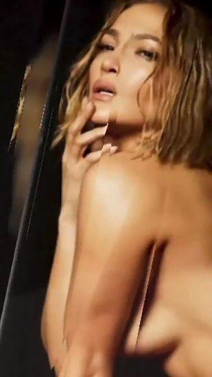 Jennifer Lopez Nude Pics and Naked Sex Videos 17