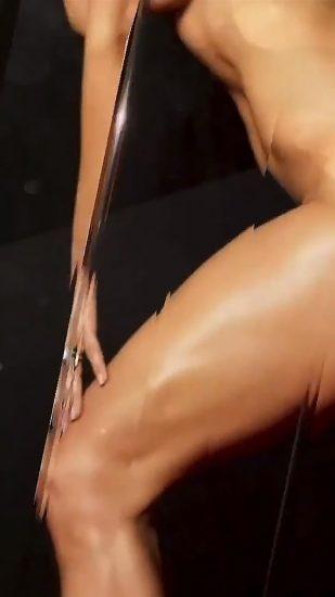 Jennifer Lopez Nude Pics and Naked Sex Videos 13