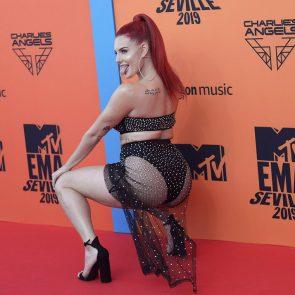 Justina Valentinehuge ass and boobs