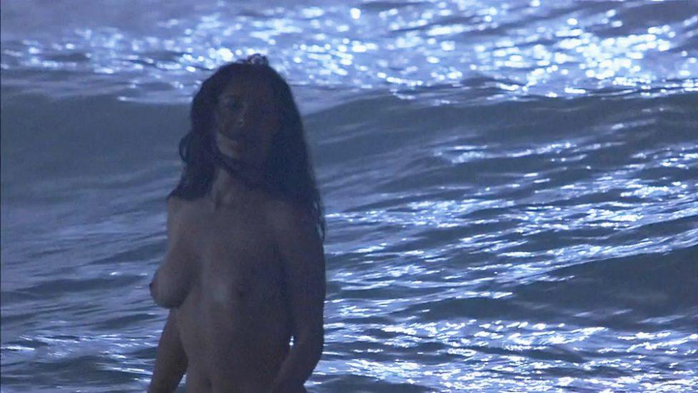 Salma Hayek naked tits