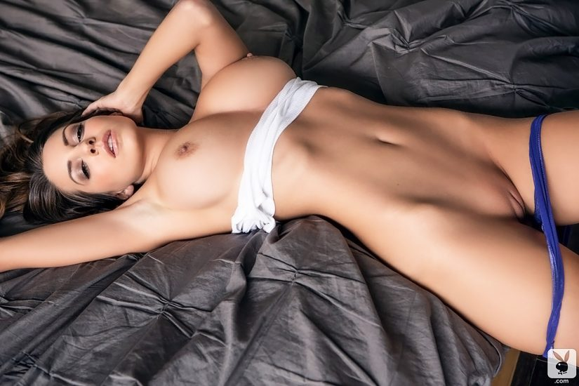 Playmate Shelby Chesnes Starts The Day With Seductive Striptease Spankbank 1