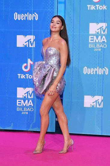 Hailee Steinfeld Nude Pics & Hot Scenes Collection 34