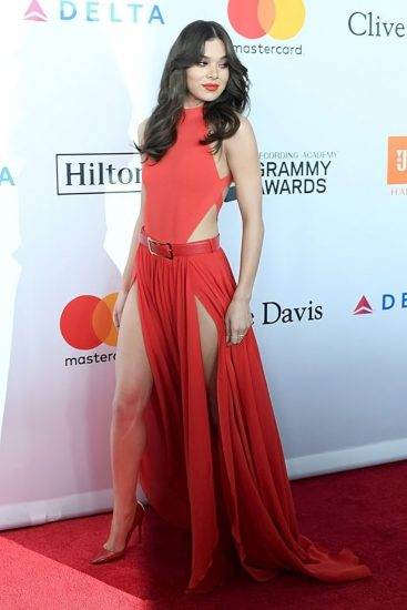 Hailee Steinfeld Nude Pics & Hot Scenes Collection 56