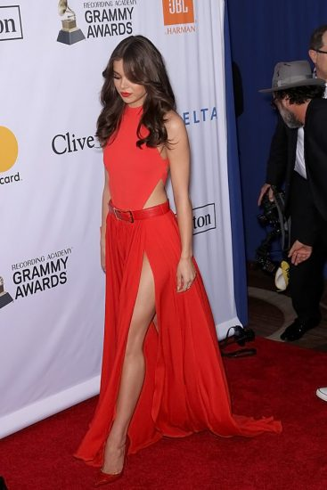 Hailee Steinfeld Nude Pics & Hot Scenes Collection 58