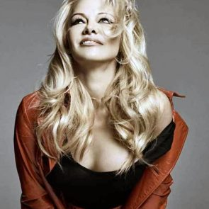 Pamela Anderson Nude Pics and Leaked Sex Tape 145