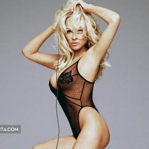 Pamela Anderson Nude Pics and Leaked Sex Tape 91