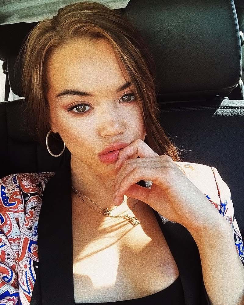 Paris Berelc Nude & Private SnapChat Sexy Pics 2