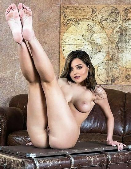 Jenna Coleman naked pussy