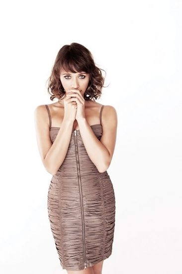 Rashida Jones Nude Pics, LEAKED Sex Tape Porn Video And Sex Scenes 27