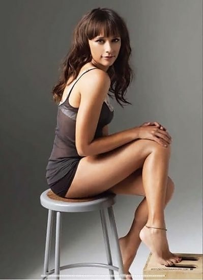 Rashida Jones sexy ass