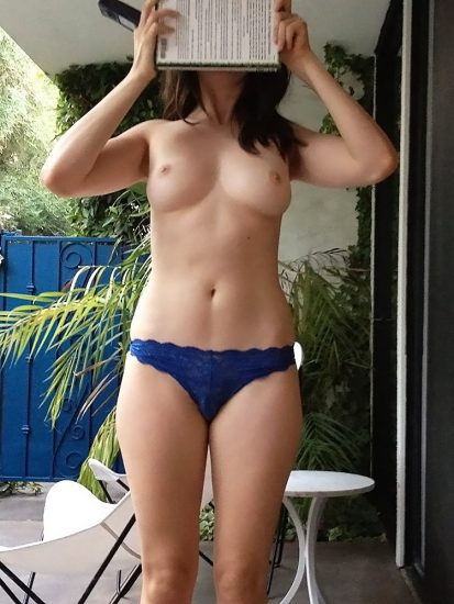 Alison Brie naked tits