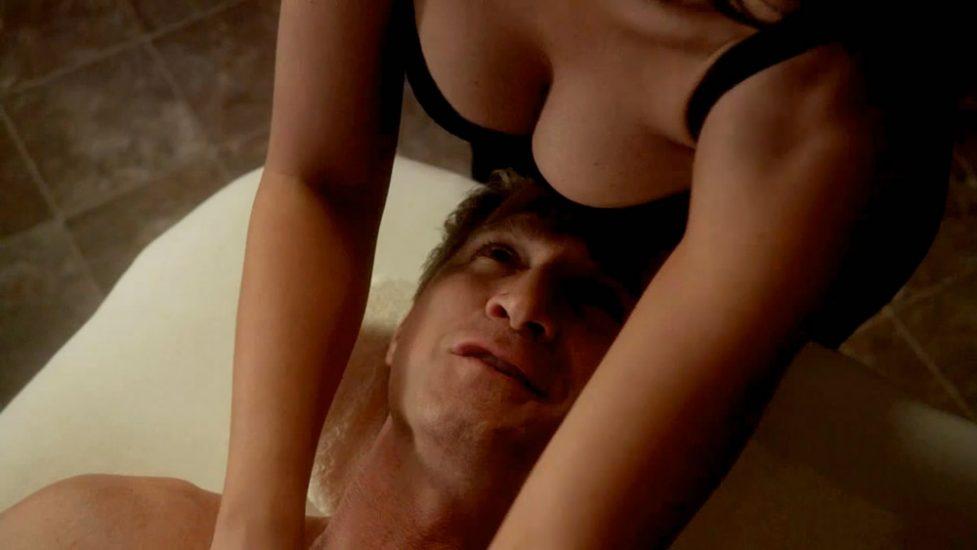 Jennifer Love Hewitt boobs