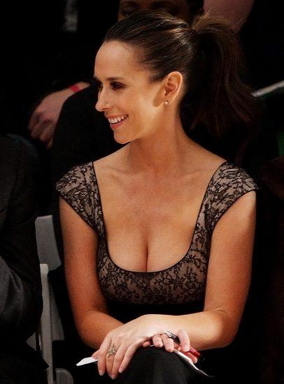 Jennifer Love Hewitt big tits