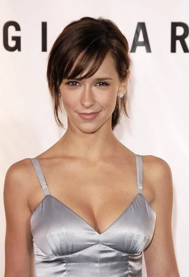 Jennifer Love Hewitt Nude & Sexy Pics And Naked Sex Scenes 34