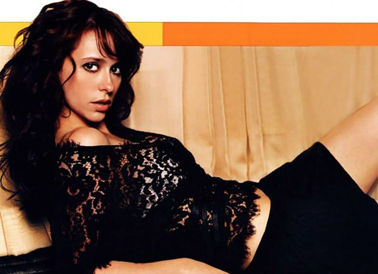 Jennifer Love Hewitt Nude & Sexy Pics And Naked Sex Scenes 30