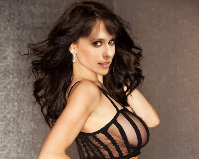 Jennifer Love Hewitt Nude & Sexy Pics And Naked Sex Scenes 28