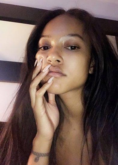 Karrueche Tran leaked selfie