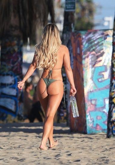 Kinsey Wolanski bikini
