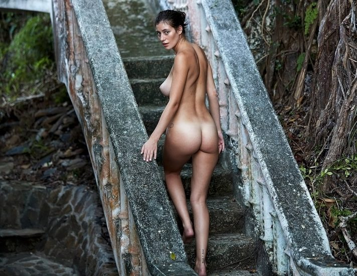 Alejandra Guilmant NUDE & Topless Photos Collection 56