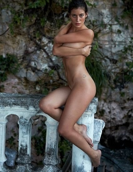 Alejandra Guilmant NUDE & Topless Photos Collection 61