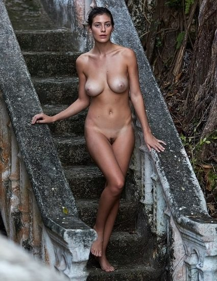 Alejandra Guilmant NUDE & Topless Photos Collection 58