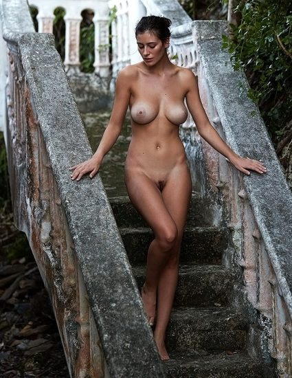 Alejandra Guilmant NUDE & Topless Photos Collection 57