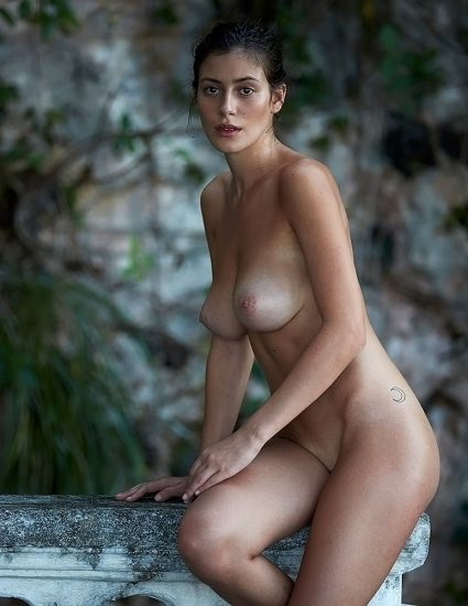 Alejandra Guilmant NUDE & Topless Photos Collection 54