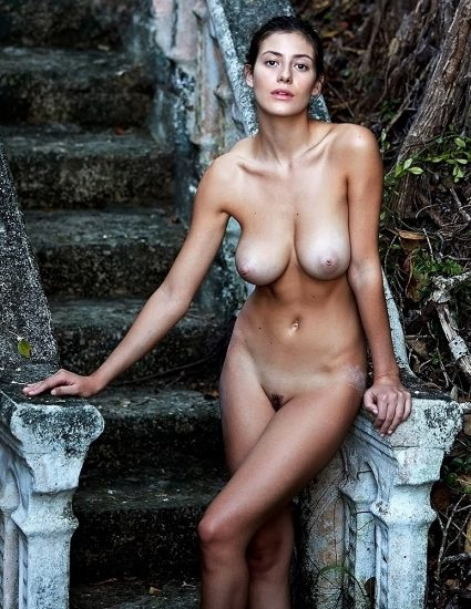Alejandra Guilmant NUDE & Topless Photos Collection 53