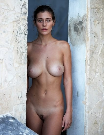 Alejandra Guilmant NUDE & Topless Photos Collection 52