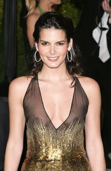 Angie Harmon Nude & Sexy Photos And Topless Sex Scenes 12